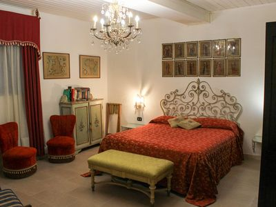 Photo for Fully Restored Elegant Ground Floor Apartment In The Enchanting Baroque Centre Of Ortigia