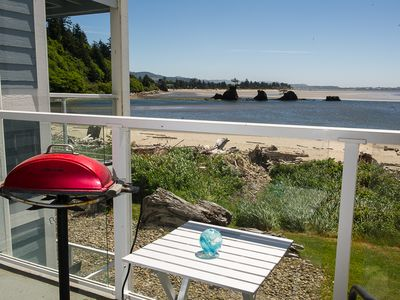 Photo for Beautiful luxury bay view condo steps to the sand in Lincoln City!