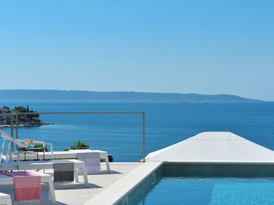 Photo for Nice apartment in villa with pool, near the beach, fantastic location, Trogir at 5km