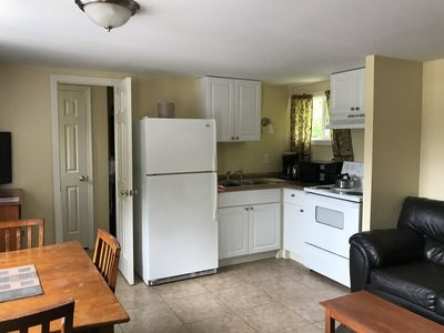 Photo for Clean, Comfy Non Smoking One Bedroom Cottage located near all the