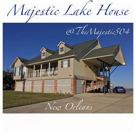 5 bedrooms, 5.5 bathrooms lake house with great fishing & crabbing off the dock!