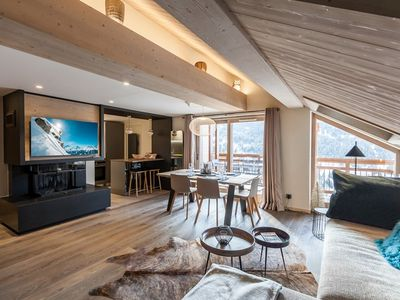 Photo for Luxury comfort in this 3 bedroom ski in-ski out apartment