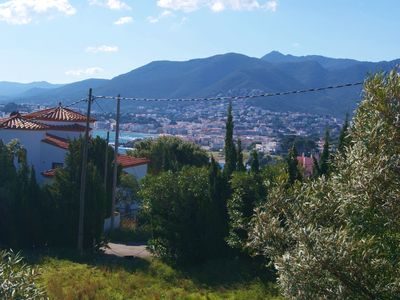 Photo for Nice apartment for 2/3 persons, top-floor of a house with 2 apartments at Llançà