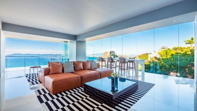 Photo for PARAMOUNT BAY ♥ 709 NEW 3BR Beach View