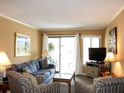 Great beach condo in downtown Isle of Palms with pool access