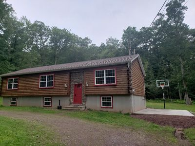 Log Cabin Home: 6 Bedrooms, 3 Baths. Large Deck Outside And New Basketball Court