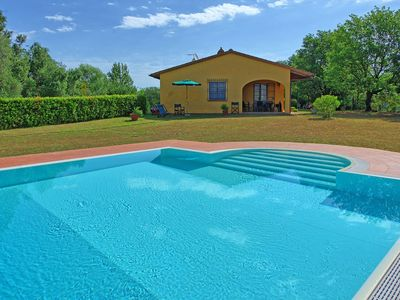 Photo for Wonderful private villa with private pool, WIFI, TV, terrace, pets allowed, panoramic view, parking