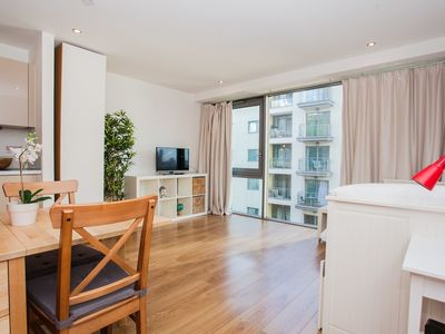Photo for Amazing Studio Apartment By Canary Wharf