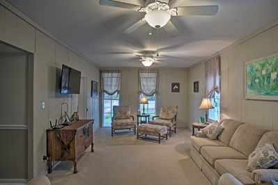 The 2-bedroom, 1.5-bath vacation rental home accommodates 6 guests.