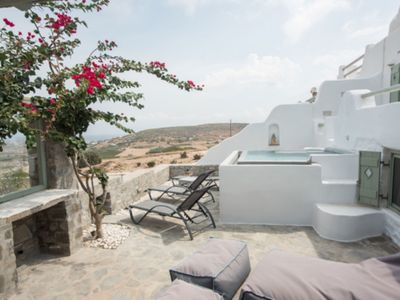 Photo for Villa Life in Paros with privé jacuzzi