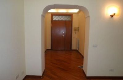 Photo for 3 bedrooms with large Jacuzzi in the central area apartment