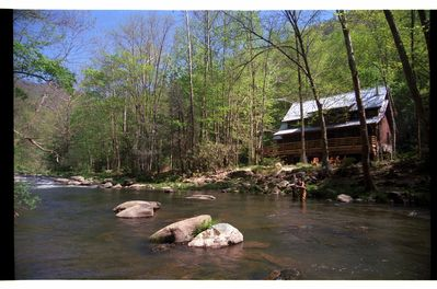 Nantahala River Lodge - Cabin on the Nantahala River