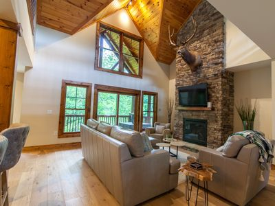 Photo for 3BD Upscale Mountain Contemporary Condo with King Suite, 2mi from downtown Banner Elk, Close to Skiing!