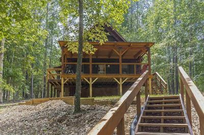 Enjoy our cabin with lake views