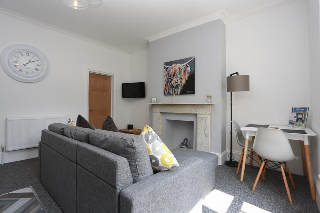 BOURNECOAST: MODERN APARTMENT CLOSE TO THE SANDY BEACHES & TOWN CENTRE -  FM6140 - Bournemouth City Centre