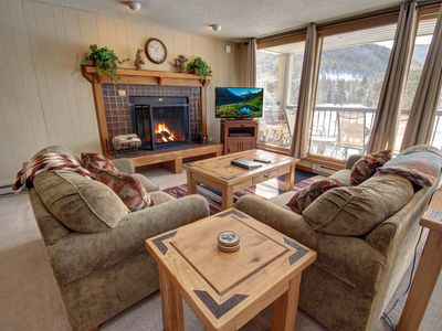 Photo for This condo is perfectly located in Lakeside Village near shops, restaurants, and activities. There is also a shuttle pick up nearby to take you to the slopes.This condo complex has a nice indoor pool and hot tub.