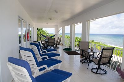 Oceanfront private home-covered porch- hammocks-chaises-bikes-tandem kayak-relax