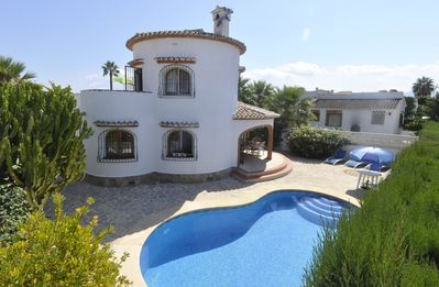 Photo for Traditional Spanish holiday Villa & private pool, 500yrd to beach, Costa Blanca