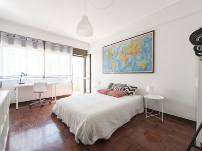 Photo for A2- ★ Huge & Sunny Apartment ★ - Heart of Lisbon