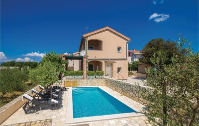 Photo for 5 bedroom accommodation in Pinezici