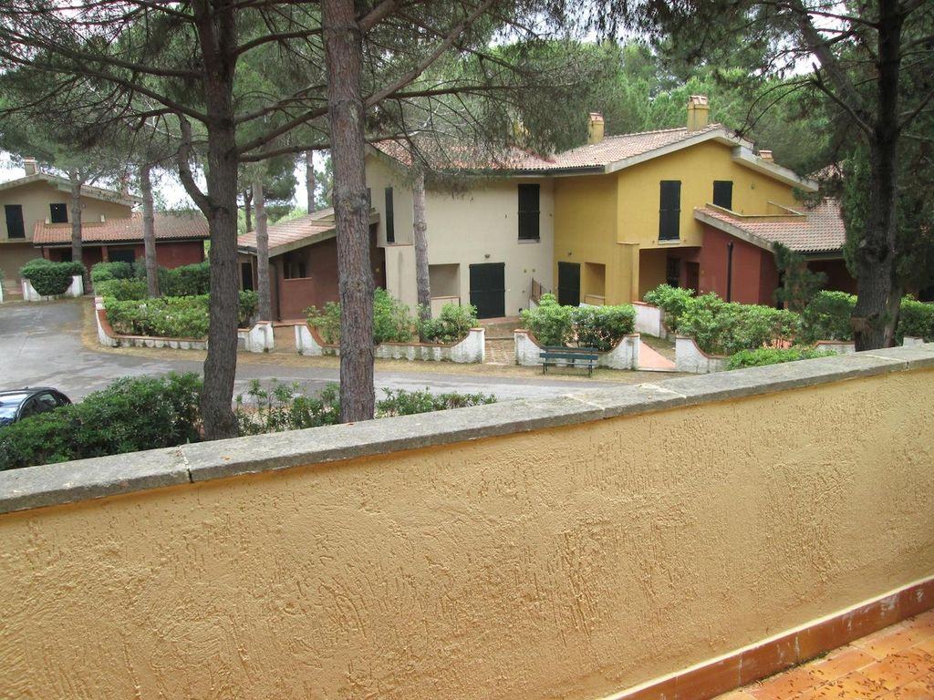 Homes in Orbetello on the coast