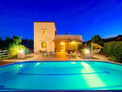 Photo for Traditional and classy villa with 3 bedrooms, private pool, sea views, air-conditioning