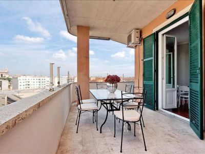 Photo for Gabi San Giovanni apartment in San Giovanni with WiFi, integrated air conditioning, balcony & lift.