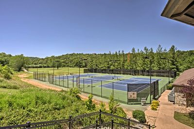 Stonebridge Resort amenities include pools, hot tub, tennis, volleyball, & more!