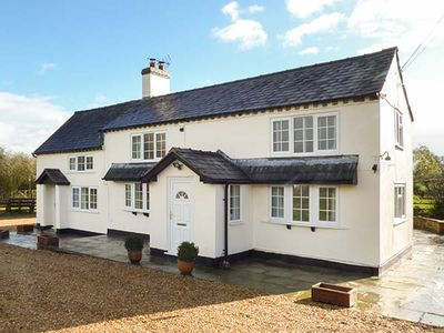 Photo for CHAPEL LANE COTTAGE, family friendly in Nantwich, Ref 944223