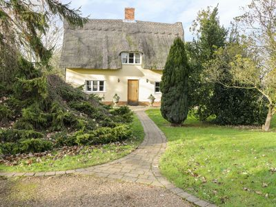 Photo for FAITH COTTAGE, family friendly, with open fire in Felsham, Ref 1934