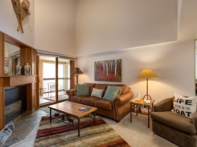 Photo for APRIL DISCOUNTS- LARGE 1 BEDROOM/1 BATH WITH VAULTED CEILINGS- SKI IN/SKI OUT