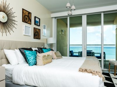 Photo for Beautifully decorated, ideal for small families overlooking the BEACH