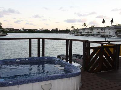 Private room with private entrance on Hawaii Kai Marina