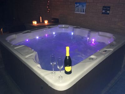 Photo for Cheshire home with HOT TUB, SKY TV & NETFLIX