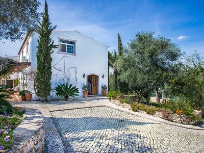 Photo for Luxury rural retreat, 4 bedrooms, Loule