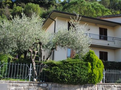 Photo for Villa surrounded by greenery between Empoli and Florence