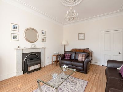 Photo for Apartment 427 m from the center of Edinburgh with Internet, Washing machine (921412)