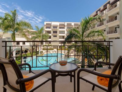 Cozy Condo with Beautiful Pool and Garden Views