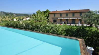 Photo for Beautiful Stare Traditional Tuscan Resort 2 bedroom apartment with swimming pool