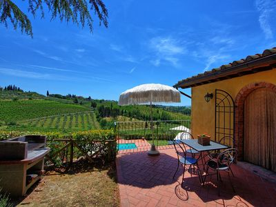 Photo for Beautiful apartment with pool, WIFI, TV, panoramic view and parking, close to San Gimignano