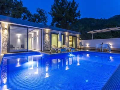 Photo for Honeymoon villa with Secluded Outdoor and Heated Indoor Pool