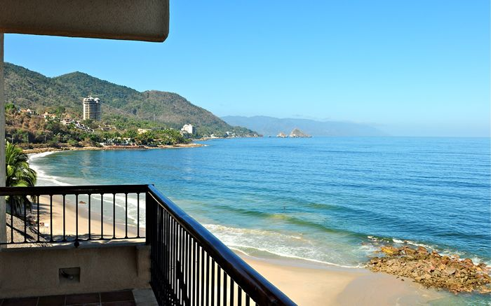 Oceanfront Condo On The Beach With Panorami Vrbo