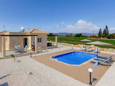 Photo for Country villa with private pool + free Wi-Fi & A/C