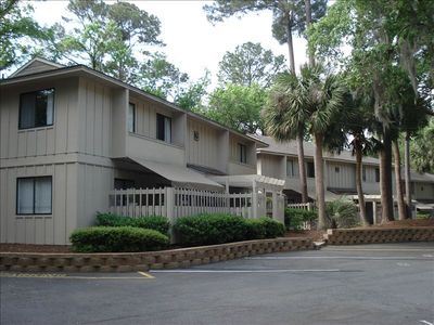 Updated 2BR/2BA... Short Walk to Beach, Wifi, and Pool