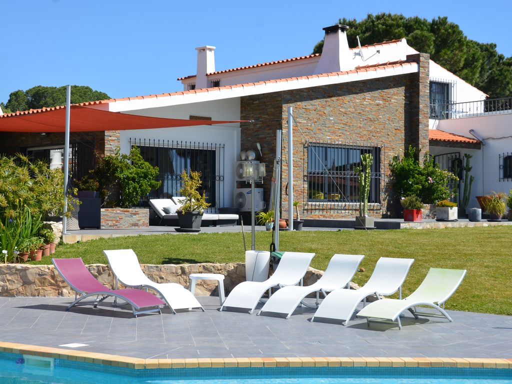 Property To Rent In Olhos D Agua