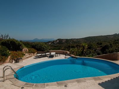 Photo for Holiday house with air conditioning, pool and sea view