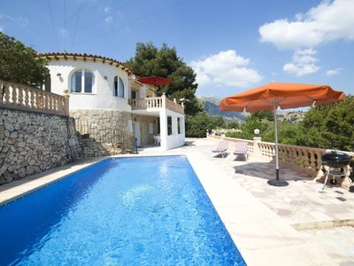 Photo for 4 bedroom Villa, sleeps 8 in la Canuta with Pool, Air Con and WiFi