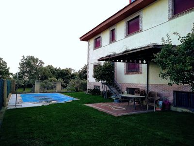 Photo for Views of the Sierra de Gredos and pool for hot summers