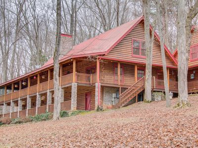 6BR House Vacation Rental in Cedar Hill, Tennessee #3032577