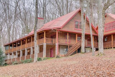 2 Private Luxury Retreats- on 40 acres w/ creek  Minutes from Nashville -  Cedar Hill